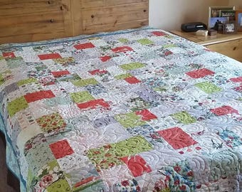 Queen sized quilt featuring Horses!
