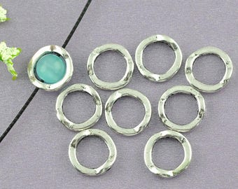 10 flat round connectors - setting for 6mm beads - silver color