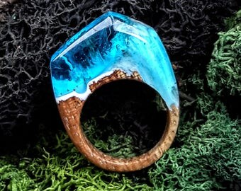 Size 7  Wood Resin Ring - Aqua Blue