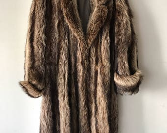 Luxurious Long Retro Style Brown Genuine Raccoon Fur Coat Stylish And Warm Winter Outwear Men's Size Medium.