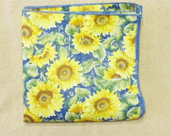 Vintage Sunflower Cloth Napkins, Table Napkins, Set of 6, Table Linens 17 by 17