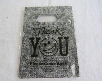 100 Plastic Bags 7 x 5.75 in (B245m)