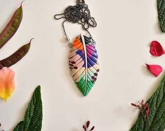 Colorful leaf/feather necklace - Urban jungle - Authentic jewelry inspired by nature - Tropical exotic leaf - For all occasions!