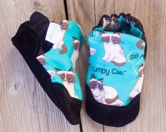 Grumpy Cat Print Baby Shoe, Soft Sole Baby Shoe, Baby Booties, Non Slip, Handmade, Genuine Suede,  Cat Print, Baby Moccasins