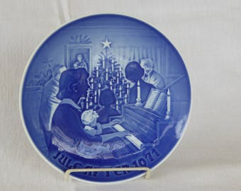 Vintage Porcelain Bing & Grondahl 1971 Christmas Plate
