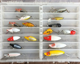 17 Vintage Lures 15 Heddon Lures and 2 Cisco Kid Excellent Condition!