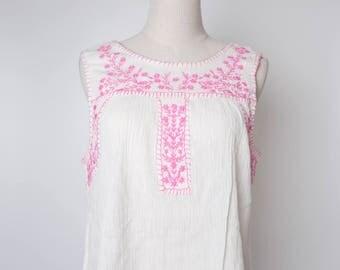 White Women Vintage Blouse Floral Embroider 1980s Sleeveless Size M