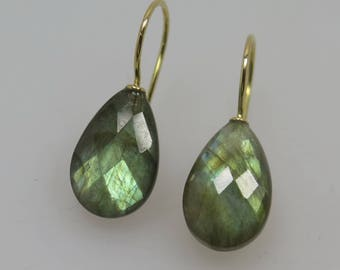 750 Gold Earrings Labradorite Briolett unique Goldsmith work masterpiece