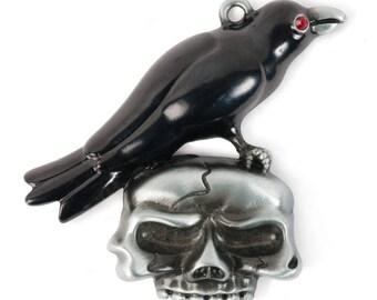 Raven on Skull Pendant (STEAM308)