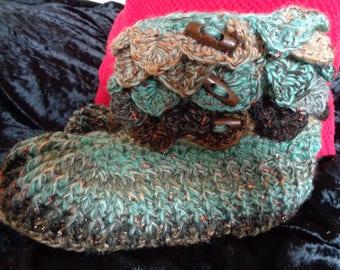 Crocodile Stitch Crocheted Slipper Boots