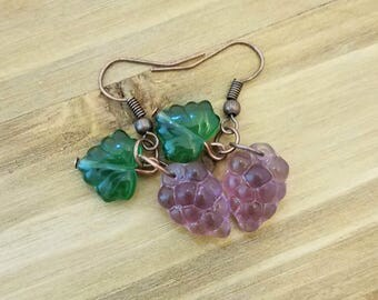 Vineyard grape earrings, food earrings, Fruit Jewelry, Wine lovers Gift, Gifts for her, Winery, Friend gift, Small gift