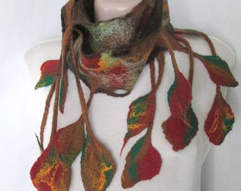 Felted scarf,Felt leaves,Felt scarf with leaves,Autumn leaves,Unique scarf,Wearable art,women's accessory,Autumn