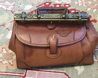 Vinatage Geno D'Lucca vintage hand bag