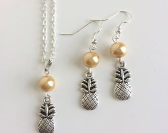 Adornment necklace and earrings, pineapple and yellow beads
