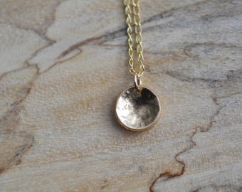 Tiny Gold Disc Necklace/ Hammered gold disc necklace/ Dainty Gold Necklace/ Delicate Gold Necklace, Simple Everyday Necklace, Dainty Pendant