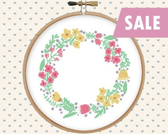 Flower wreath cross stitch  - cross stitch pattern - cross stitch PDF - instant download - pattern pdf - floral wreath pattern