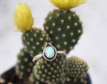 Opal Sterling silver ring - Size 8.25