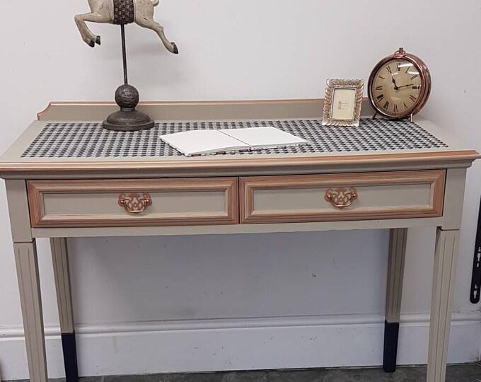 Elegant Houndstooth designed desk