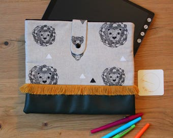 Lion Tablet cover / Tablet pouch / clutch lion / vegan /.