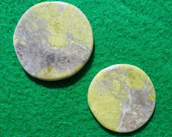 Green Lizardite set of two (one large, one small) golf ball markers