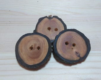 3 wooden buttons, handmade from a tree branch of the Larch