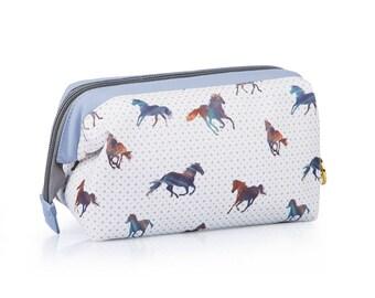 TaylorHe Cosmetic Case Zipped Frame Majestic Horses.