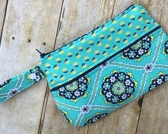 Wet and Dry Bag, travel bag, cloth pad bag, toiletry bag, cosmetic bag, momma cloth bag, pul bag, menstrual bag, reusable cloth pad bag