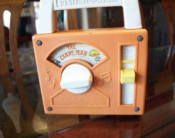 Fisher Price Tote-A-Tune Music Box Radio Wind Up #790 The Candy Man 1978 WORKS