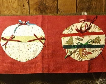 Christmas decorative table runner
