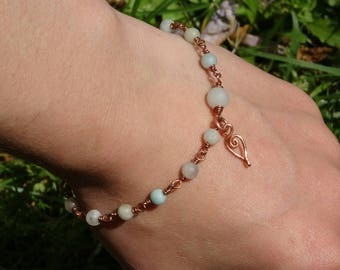 Copper bracelet with Amazonite beads.