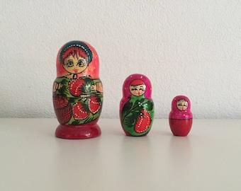 Matryoshka Babushka 3 Nesting dolls Russian Matroesjkas Baboesjkas hand-painted dolls