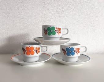 Vintage CP cups and saucers 3x leuke retro kopjes en schotels sixties flower power design bruidsdouche - tea cups