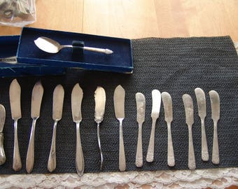 13 Vintage collection of 13 butter knives silverplate & stainless