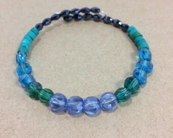 Stackable beaded memory wire bracelet