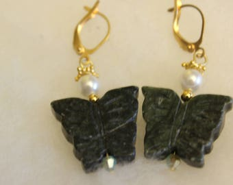 Butterfly earrings with Pearl accents