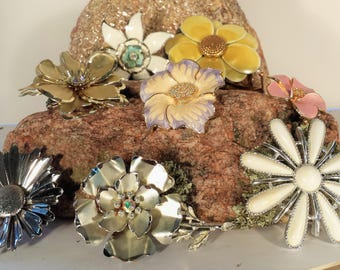 Vintage 8 TOTAL Nice Quality Costume BROOCHES for 1 PRICE