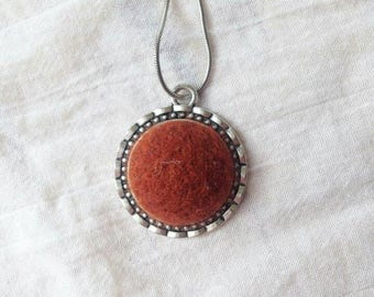Wool pendant necklace