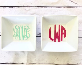 Monogrammed Ring Dish/ Personalized Ring Dish/ Bridal Gift/ Bridesmaids Gift/ Birthday Gift/ Housewarming Shower/ Mother's Day