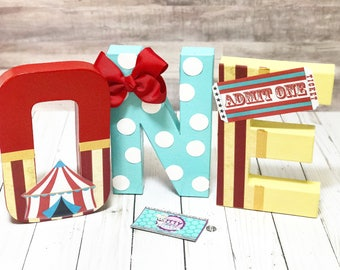 Circus birthday letters - vi circus birthday - Circus birthday decor -  1st birthday prop - 1st birthday circus - 1st birthday carnival