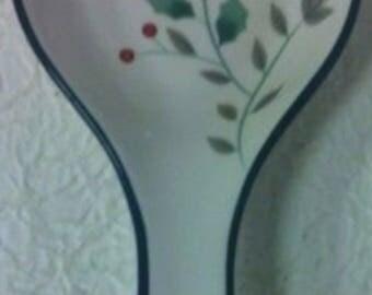 Pfaltzgraff Winterberry Spoonrest