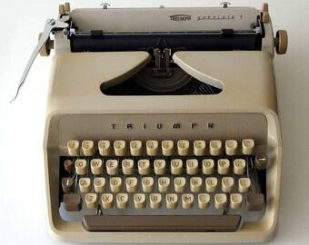 Vintage (1964) typewriter Triumph Gabriele 1. Excellent condition!