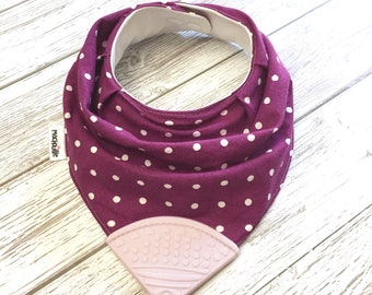 Bandana bib with teether, teething bib silicone, teether silicone baby, silicone teething corner, baby shower, purple, machouille