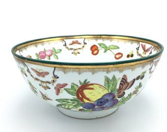 1 Chinese or Chinoiserie Porcelain Bowl w/ Bouquets of Fruits, Flowers, Acorns, Leaves + Insects on a White Background w/ a Gold & Green Rim