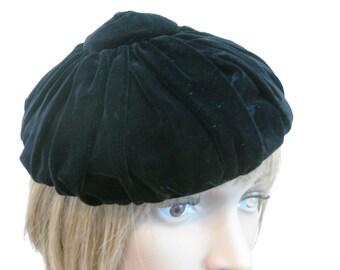 Fabulous!  Vintage Hat, HATTIE CARNEGIE, Signed, Haute Couture Designer, Soft Gathered Black Velvet, Center Crown Detail, 1950s