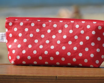 "Case and protects notebook ""back to school"" with red coated cotton printed with white polka dots"