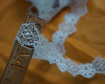 1.5metres * 4 cm Ref white guipure lace. 1227
