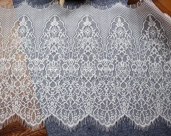 1.50 meters * 30cm lace white chantily lace off-white large Ref. 2603