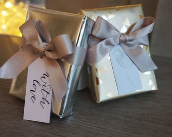 Gift wrapping service, christmas gift wrapping, birthday gift wrapping, gift wrap your So You Jewellery order, gift wrapping option,
