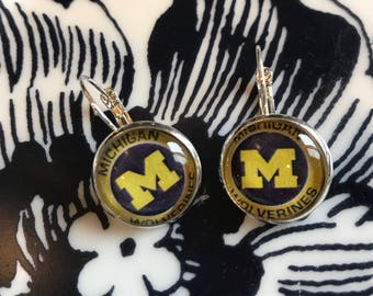 Handmade Michigan Wolverines cabochon earrings- 16mm