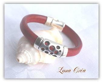 Leather Bracelet Regaliz red dark, openwork metal loops and silvered Metal clasp